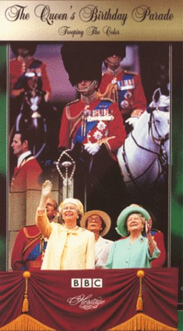 9780780022454: The Queen's Birthday Parade: Trooping the Color [VHS]