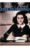 9780780723405: Anne Frank: Life in Hiding