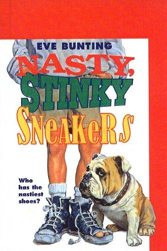 9780780766396: Nasty, Stinky Sneakers
