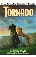 9780780769625: Tornado (Trophy Chapter Books)
