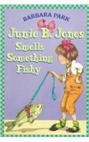 9780780785847: Junie B. Jones Smells Something Fishy