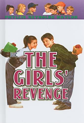 9780780797857: The Girls' Revenge (Boy/Girl Battle (PB))