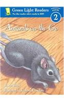 9780780799189: Animals on the Go (Green Light Readers. All Levels)