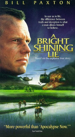 9780783108445: A Bright Shining Lie [VHS]