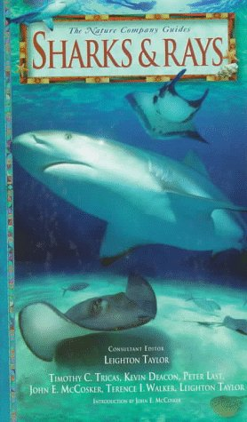 9780783549408: Sharks & Rays (Nature Company Guides)