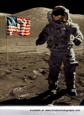 9780783556758: A Man On The Moon, Vol. 1: One Giant Leap