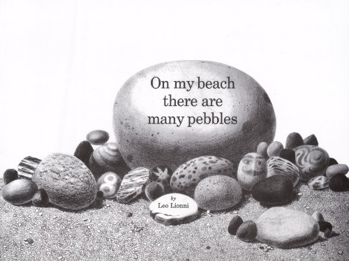 9780785770312: On The Beach There Are Many Pebbles (Turtleback School & Library Binding Edition)