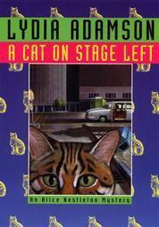 9780786215591: A Cat on Stage Left: An Alice Nestleton Mystery