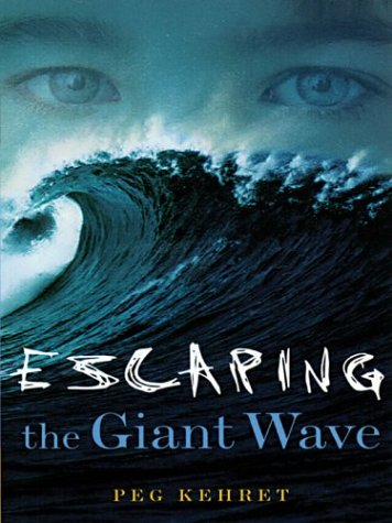 9780786259854: Escaping the Giant Wave (Thorndike Press Large Print Juvenile Series)