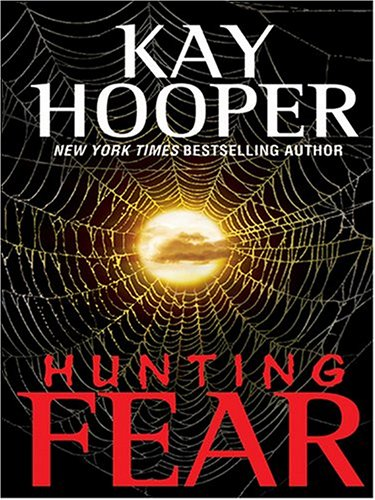 9780786262694: Hunting Fear (Thorndike Press Large Print Americana Series)
