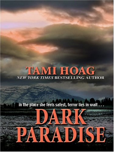 9780786264858: Dark Paradise (Thorndike Press Large Print Famous Authors Series)