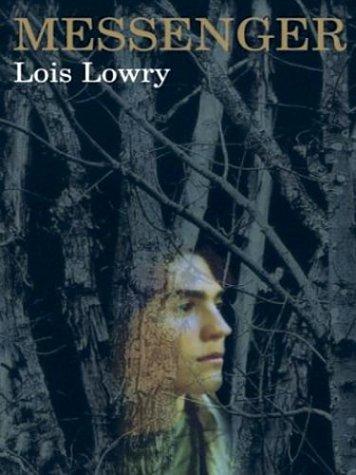 The Literacy Bridge - Large Print -: Lois Lowry
