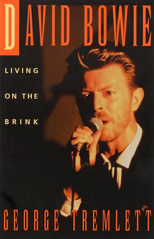 9780786704651: David Bowie: Living on the Brink