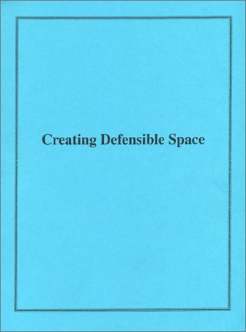 9780788145285: Creating Defensible Space