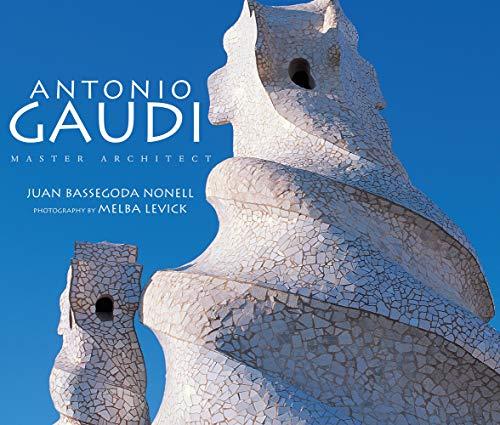 9780789202208: Antonio Gaudi: Master Architect