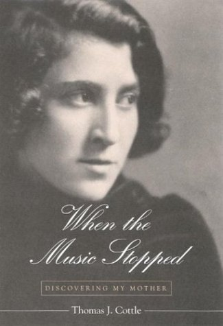 9780791459973: When the Music Stopped: Discovering My Mother