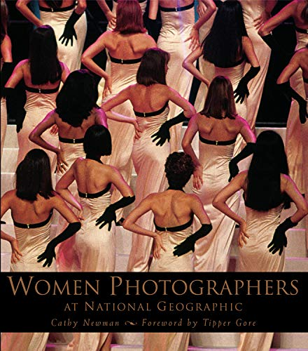 9780792269342: Women Photographers at National Geographic