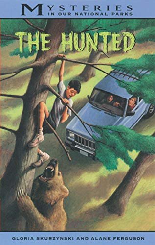 9780792276654: The Hunted (Mysteries in Our National Park)
