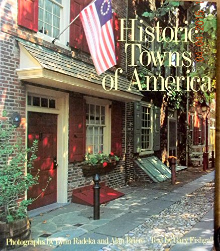 9780792456568: Historic Towns of America