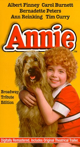 9780800136581: Annie - The Broadway Tribute Edition
