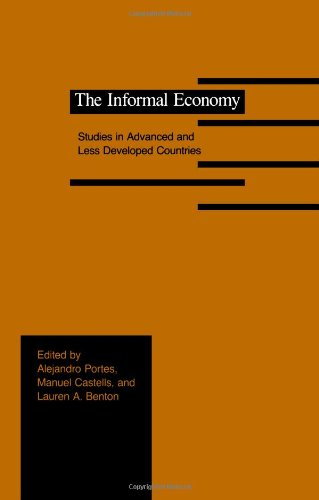 9780801837357: The Informal Economy: Studies in Advanced and Less Developed Countries