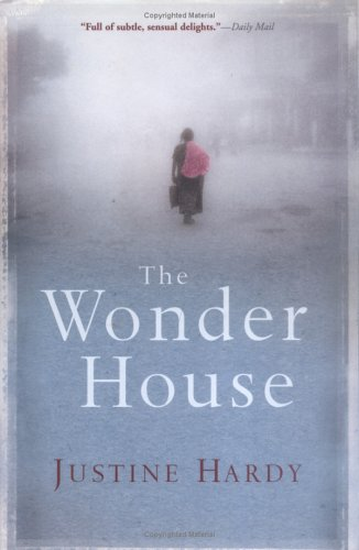 9780802118226: The Wonder House