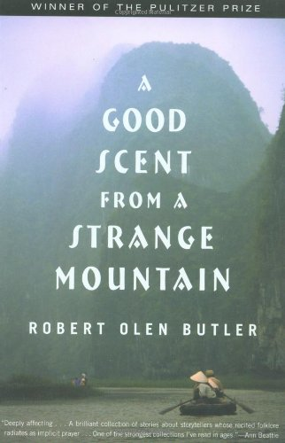 9780802137982: A Good Scent from a Strange Mountain: Stories