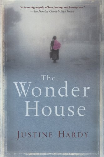 9780802143129: The Wonder House