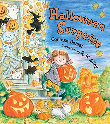 9780802786128: Halloween Surprise