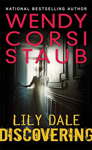 9780802797865: Lily Dale: Discovering: A Lily Dale novel