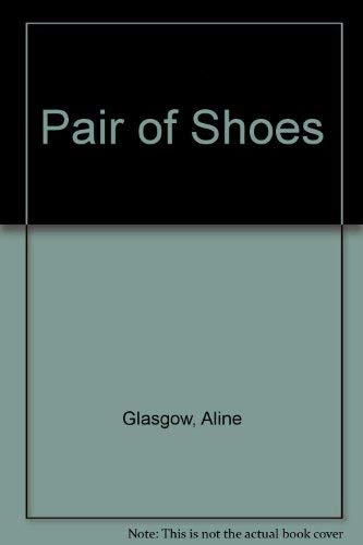 9780803768079: Pair of Shoes