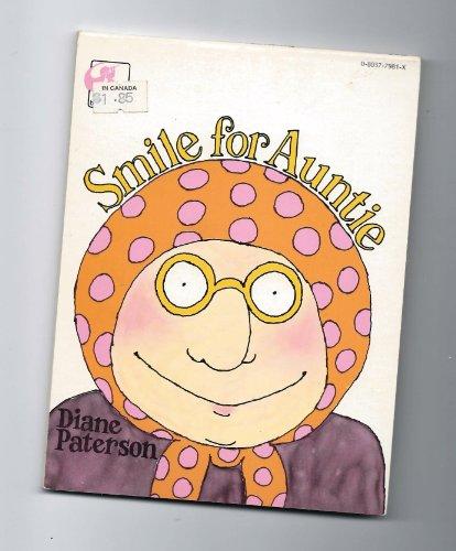 9780803779815: Paterson Diane : Smile for Auntie (Pbk)