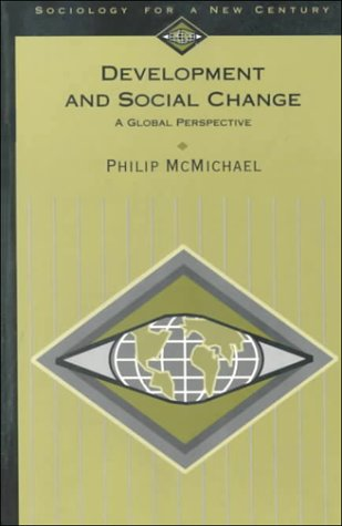 9780803990661: Development and Social Change: A Global Perspective (Sociology for a New Century Series)