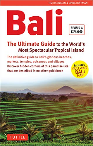 9780804846400: Bali: The Ultimate Guide: to the World's Most Spectacular Tropical Island (Periplus Adventure Guides) [Idioma Inglés]: To the World's Most Spectacular Tropical Island (Includes Pull-Out Map)