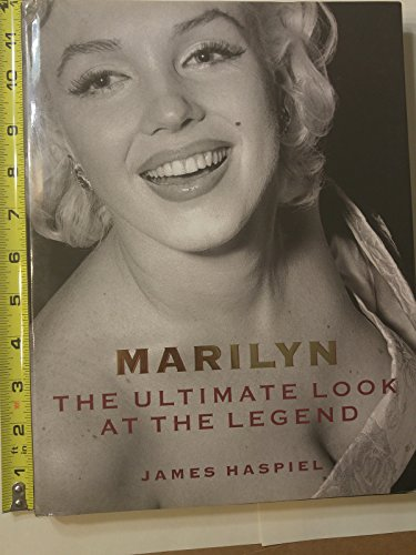 9780805018561: Marilyn: The Ultimate Look at the Legend