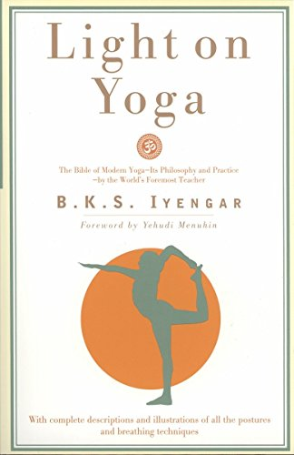 9780805210316: Light on Yoga: The Bible of Modern Yoga