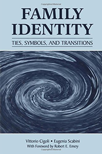 9780805852318: Family Identity: Ties, Symbols, and Transitions