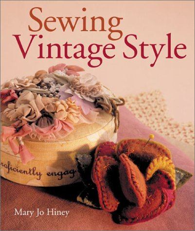 9780806926971: Sewing Vintage Style