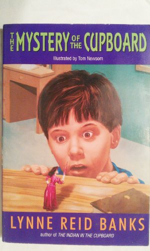 9780807274163: The Mystery of the Cupboard
