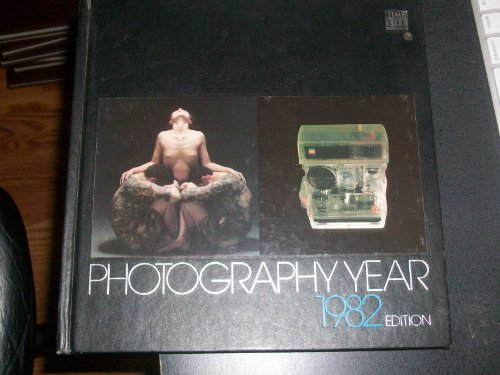 9780809416936: Photography Year : 1982 Edition