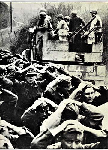 9780809433926: Prisoners of War