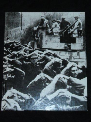 9780809433933: Prisoners of War (World War II #30)