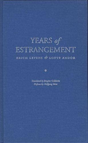 9780810111813: Years of Estrangement (Jewish Lives)