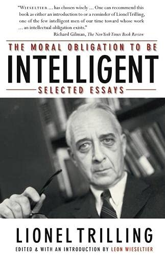 9780810124882: The Moral Obligation to Be Intelligent: Selected Essays