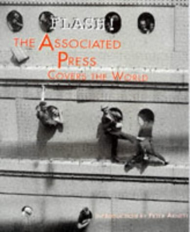 9780810919747: Flash! The Associated Press Covers the World
