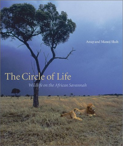 9780810945333: The Circle of life: Wildlife on the African Savannah