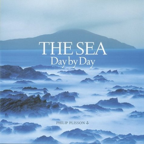 9780810948020: The Sea: Day by Day