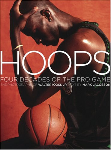 9780810959217: Hoops: 4 Decades Of The Pro Game