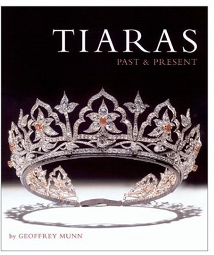 9780810965942: Tiaras Past and Present
