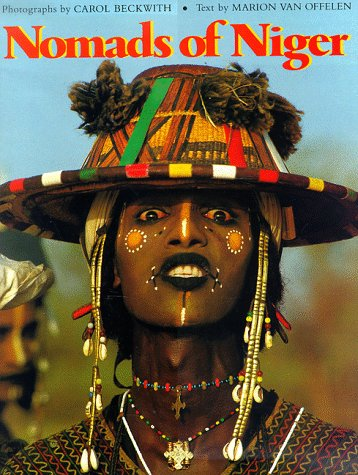 9780810981256: Nomads of Niger